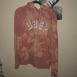 Obey snowboarding sweater